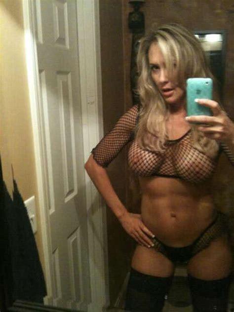 Selfies twitter nackt Pictures of